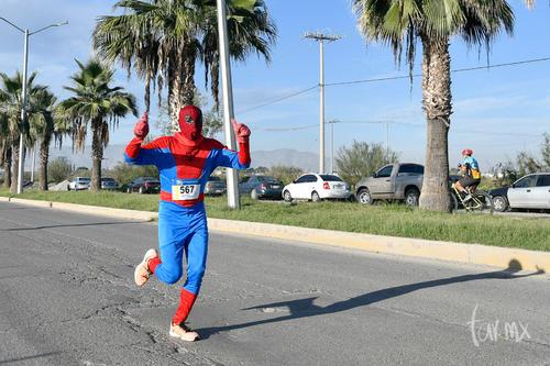 spiderman hombre araña corredor