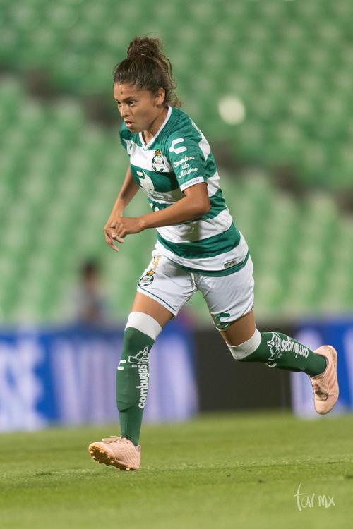 Joseline Hernández 9
