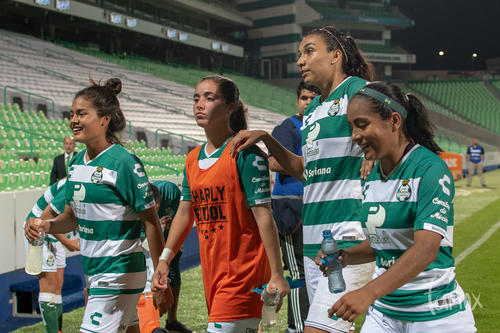 Melissa Sosa, Yahaira Flores