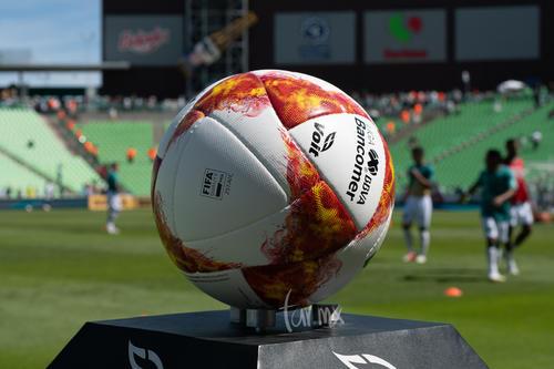 Balón para el encuentro Santos León J10 A2018