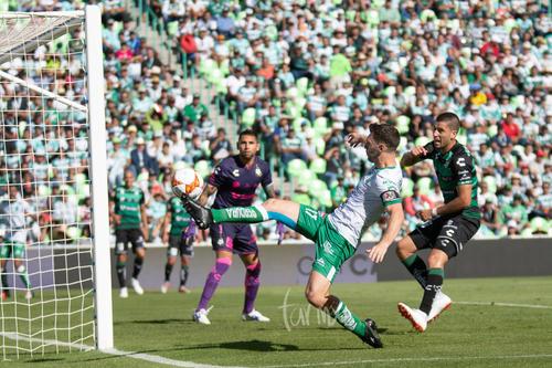Intento de gol de los panzas verdes, Mauro Boselli