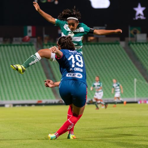 Mariana Cadena Calvillo (Monterrey), Yahaira Flores (Santos)