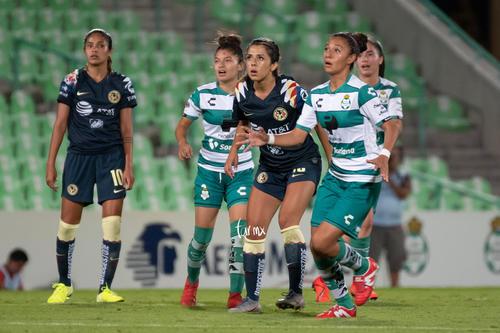 Guerreras vs Águilas, Jennifer Muñoz, Brenda Guevara