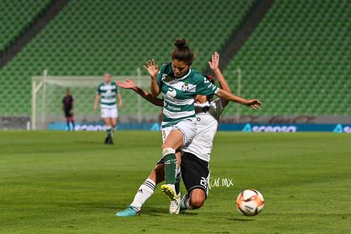 Joseline Hernández, Ana García