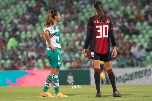 Alison González, Brenda López