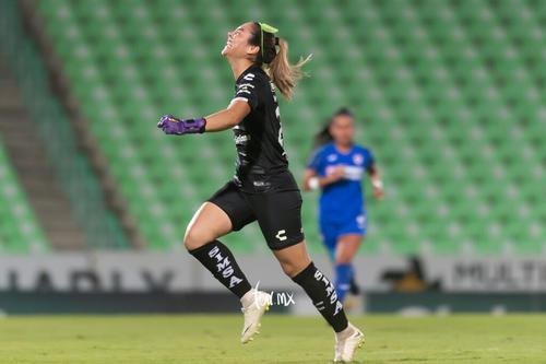 Celebración de gol de Yahaira Flores 8, Wendy Toledo
