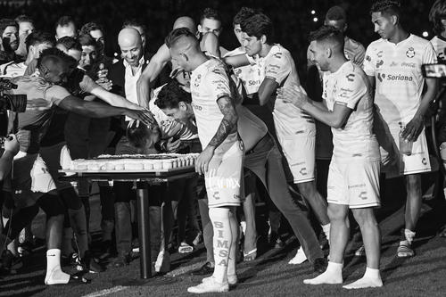 Pastel décimo aniversario del Estadio Corona