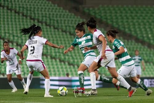 Nataly Cárdenas, Alexxandra Ramírez, Karla Zempoalteca