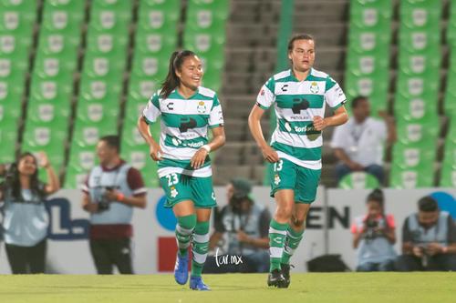 Gol de Isela Ojeda, Isela Ojeda, Alexxandra Ramírez