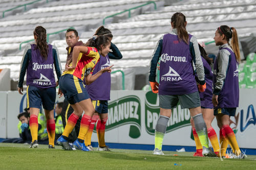 Gol de Dalia Molina 22, festejo