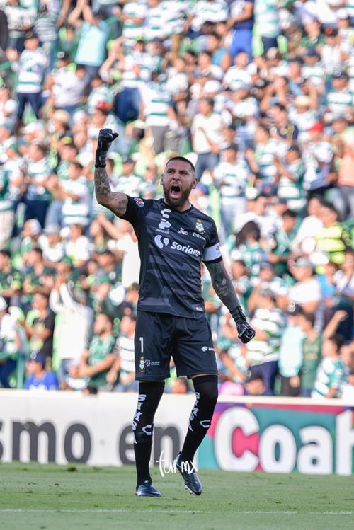 Jonathan Orozco, celebración de gol