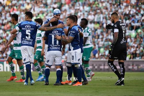 festejo de gol Puebla, Gustavo Alustiza