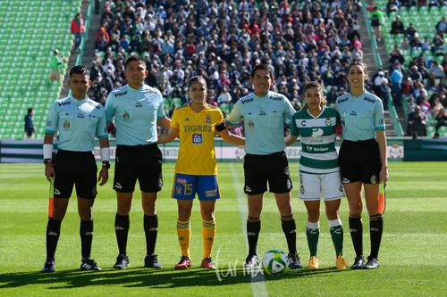 Árbitros y capitanas, Cristina Ferral, Brenda López