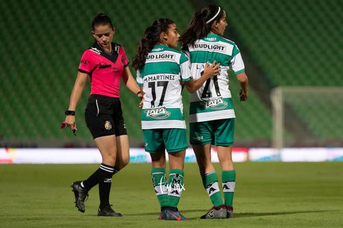 Marianne Martínez, Leticia Vázquez