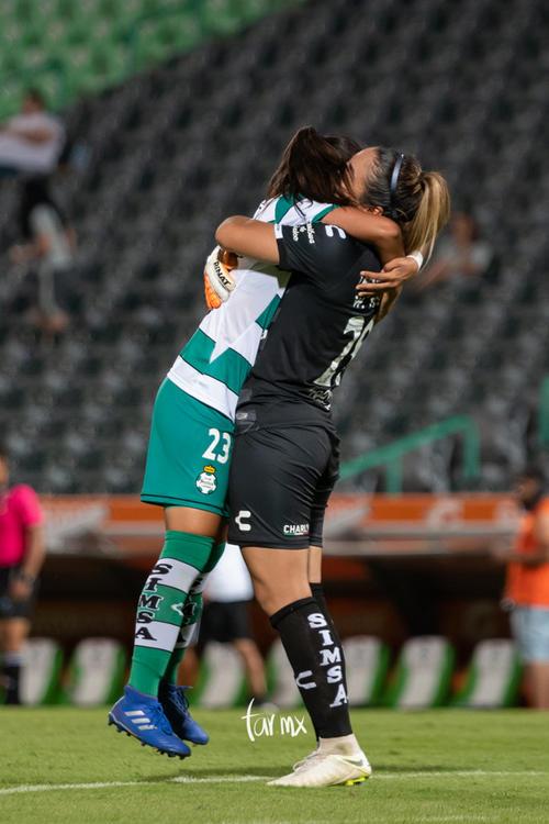 Alexxandra Ramírez, Wendy Toledo