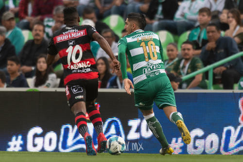 Fabián Castillo, Diego Valdés