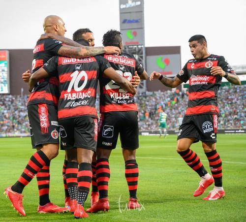 Festejo de gol de Tijuana, gol de Miler Bolaños