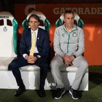 Guillermo Almada, DT Santos. Darwin Quintana