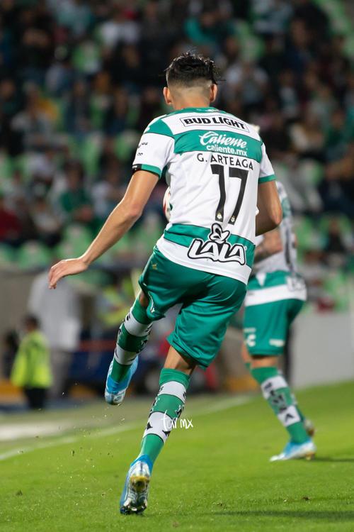 Santos León, Gerardo Arteaga