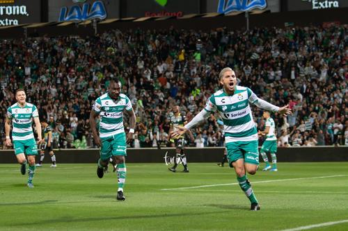 Gol de Diego Valdés, Diego Valdés, Eryc Castillo
