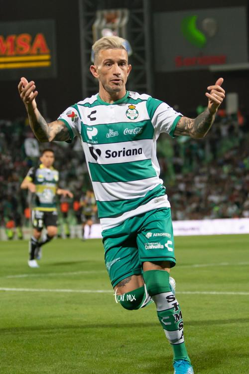 Santos León, Brian Lozano