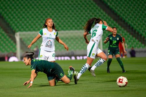 Itzia Tenahua, Katia Estrada, Yazmin Álvarez