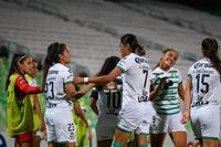 Gol de Alexxandra Ramírez, Alexxandra Ramírez, Estela Gómez,