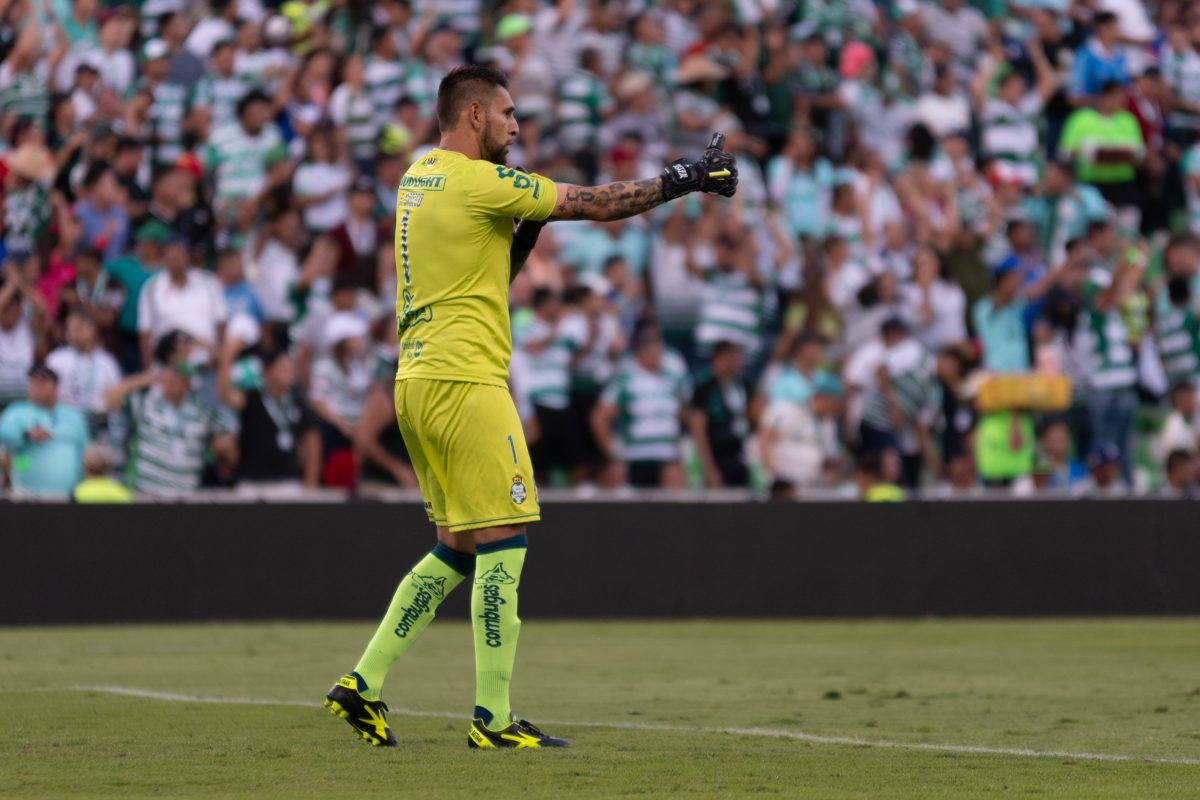 Jonathan Orozco, al gol de Déinner Quiñones