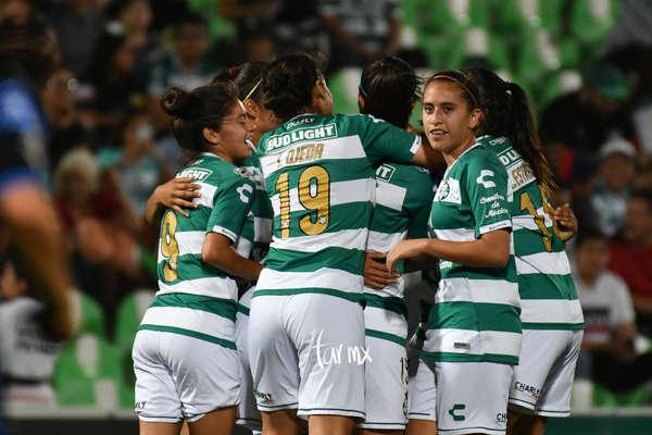 Fotos del Santos Laguna vs Querétaro Liga MX Femenil
